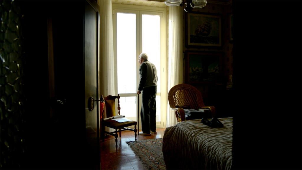 Lazzarin nella sua stanza, still da video